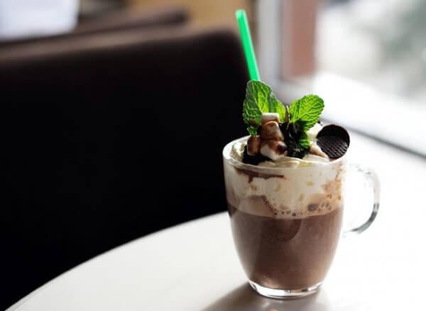 кофейный коктейль с мятой